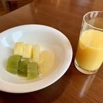 セント レジス ホテル - フルーツとオレンジジュース♡