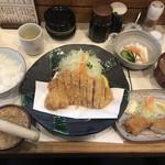 Tonta - 特ロースかつ定食(2,160円)といかフライ(325円)