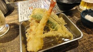立ち呑み あたりや食堂 なんば店 - 天ぷら5種盛り