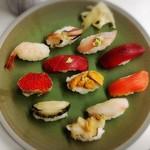 幸寿司 - 王春握り+つぶ貝