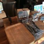 BAGEL CAFE SORARIN - ベーグル乗せるトレー・トング