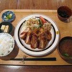 10022505 - とんかつ定食(790円)