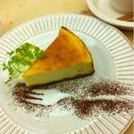 森の間CAFE - ベイクドチーズケーキ:2011年10月