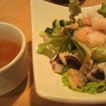 10022944 - ミニカリブサラダ+スープ