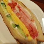 100222241 - トマト きゅうり タマゴ焼き マヨネーズ マーガリン 味