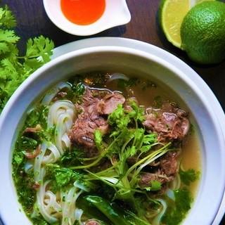朝まで食べれる!!本場ベトナムの味。牛肉たっぷりのフォー