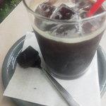 ローズベーカリー - アイスコーヒー(オレンジピールのブラウニー付)