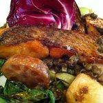 ラ ファーメ - メインは魚をチョイス。真鯛と野菜のハーモニー