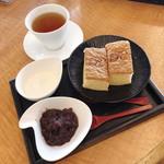 RIZ CAFE - しふぉんドラ焼き お茶セット 680円 和紅茶