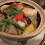 100255404 - 海鮮熱鍋炒飯