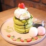 3 STARS PANCAKE - 抹茶の豆腐ティラミスパンケーキ