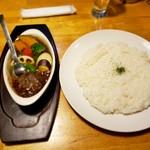 100260006 - 温野菜とビーフカレー