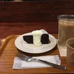 スタンダードブックストア - チョコレートファッジケーキ セット ¥830