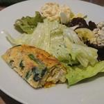 レストラン マルヤマ - サラダと前菜盛り合わせ