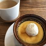 アーリーズカフェ - カフェオレとチーズケーキ
