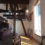 BAGEL CAFE SORARIN - カウンター席(窓から陽がそそぐ)