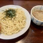 石焼濃厚つけ麺 みやこ家 - 料理写真:濃厚煮干しつけめん大盛930円