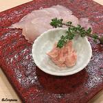 吉香 - 本皮剥の薄造りと肝ペースト