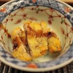 緒方 - 北海道の牡蠣をサクサクのフライにしてどんぶりで。