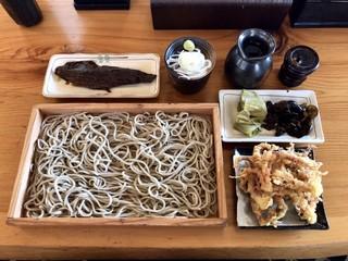 蕎麦屋 まんきち - げそ天板そば+にしん煮 ¥1410