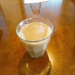 カレーの店 マボロシ - 食後にはシナモンの効いた冷たいチャイ。