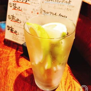 力強い旨味の地鶏と一緒にどうぞ☆飲み物も充実のラインナップ!