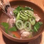 グロッタ - あっさり味の鮟鱇、豚肉、白菜のスープ(鍋)