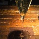 オー・ド・ヴィ - 料理写真:22周年記念のシャンパン