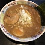 長浜ラーメン - 料理写真:とんこつ正油 600円(麺は普通・スープ普通)