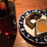 HATONOMORI - ブルーチーズケーキ、アイスコーヒー