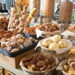 パセオガーデン - 朝食ブッフェパンコーナー