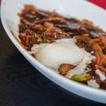 """ヌーベルシノワ Ishibashi - """"椒香燉肉(はじかみのかをりぶたばらにこみ)""""假)+半熟雞卵(なかばゆでたるかひご)"""