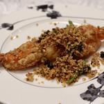 中国料理 王宮 - 王宮特製大海老の黄金揚げ