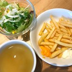 100301654 - サラダ、ポテト、スープ
