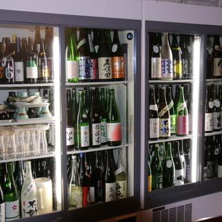 利き酒師が全国から厳選した200種以上の日本酒
