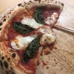 ピザメッセ - フォークが無いので箸で!
