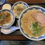 博多麺房 赤のれん -