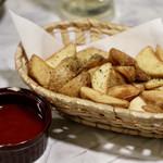 完全個室と創作和食 椿屋 - ベルギー産ポテトのフレンチフライ