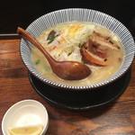 麺屋 まるはな - タンメンと味変用のレモン('19/01/18)