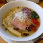 中華そば 大井町 和渦 - 料理写真:塩そば(800円)