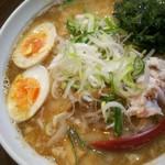 ラーメン若 - 料理写真:夜限定メニュー魚介醤油とんこつラーメン