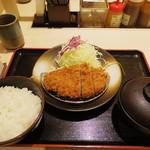 松のや - ロースかつ定食 530円