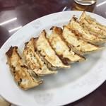 満洲園 - 餃子 ジューシーで美味しいです