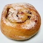 COBO pan - レーズンりんごベジロール