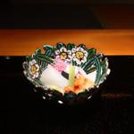100329408 - 鰤、ダルマイカ、赤貝の刺身