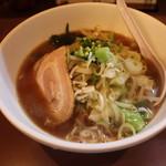 けん太 - 野菜ラーメン(750円、斜め上から)
