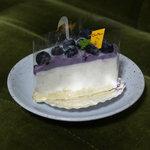 10033332 - ブルーベリーのレアチーズ300円