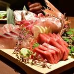 和食と個室 みや本 - 【本日のお造り3点盛り】朝採れ。甘鯛・カンパチ・中トロ