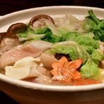 和食と個室 みや本 - 若鶏の柚子塩鍋