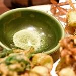 和食と個室 みや本 - 【桜海老のかき揚げ】抹茶塩